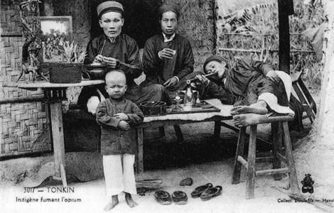 Chinese_opium_smokers-1280x836-e1418246592427